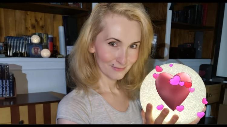 Thumbnail Videotagebuch Vlog Trisha Galore 19 Mai 2020 LIEBE UND LICHT_Moment